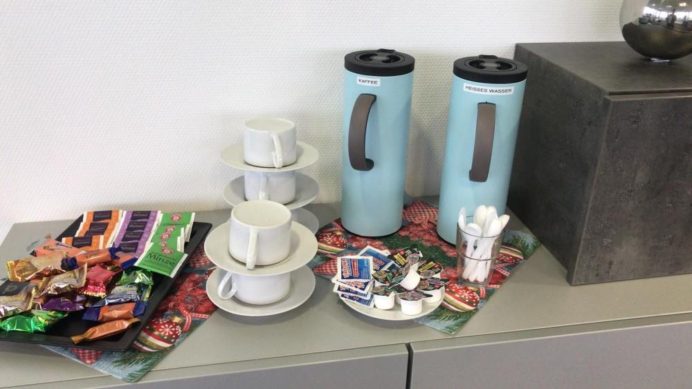 Select richtet Kaffeeecke für Bewerber an