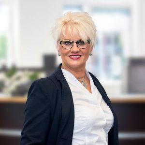 Regina van der Heyden ist Ansprechpartnerin für Zeitarbeit und Personalvermittlung in Mosbach