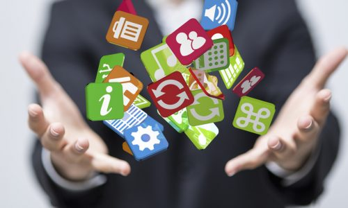 Verschiedene Social Media Kanäle betreuen