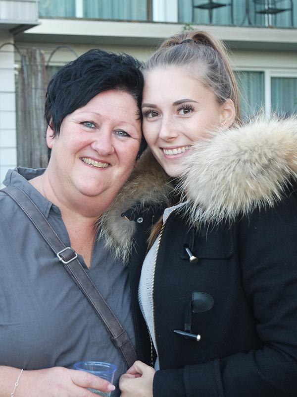 Jana mit ihrer Kollegin Martina