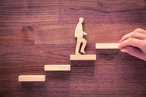Männchen steigt die Karriereleiter hoch