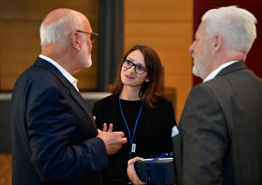Jens Corssen im Austausch mit Annabelle Bahm und Rüdiger Probst