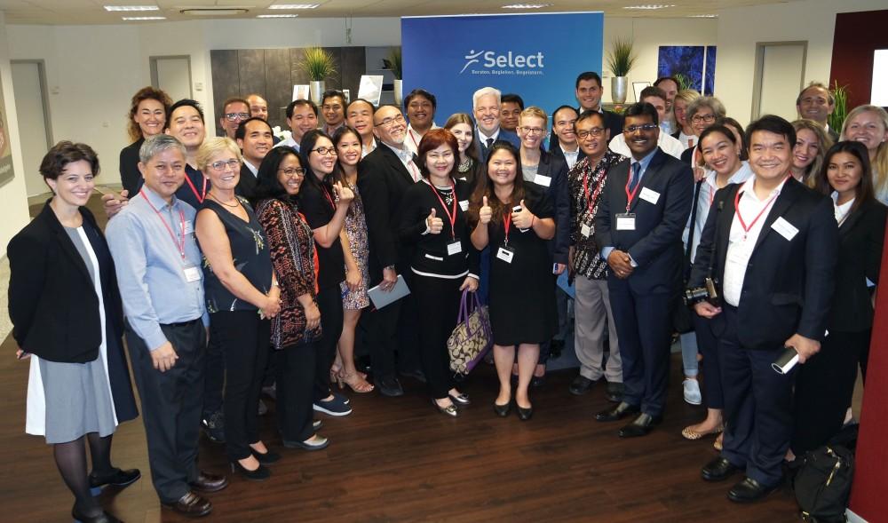 Südostasiatische Delegation bei Select
