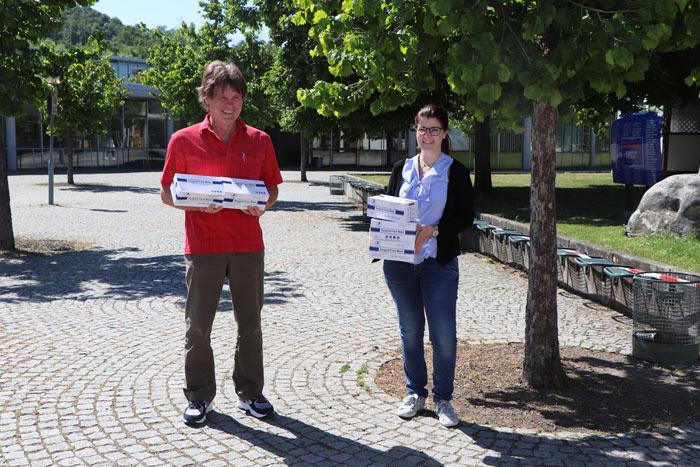 Balthasar-Neumann-Schule erhält Maskenspende der Select GmbH