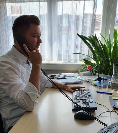 Christian am Telefon im Vertrieb
