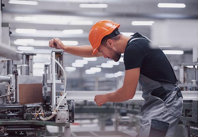 Select sucht Bewerber und Mitarbeiter in Produktion und Gewerbe