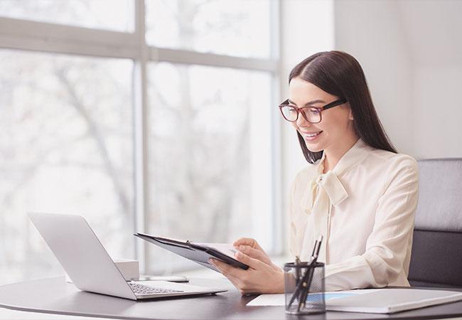 Select sucht Bewerber und Mitarbeiter im kaufmännischen Bereich