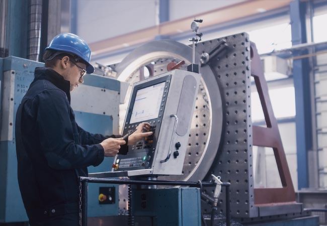 Alle Infos zum Beruf des Maschinen- und Anlagenführers